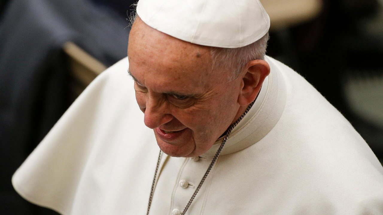 Papa refuerza marco legal del Vaticano contra abusos a menores de edad