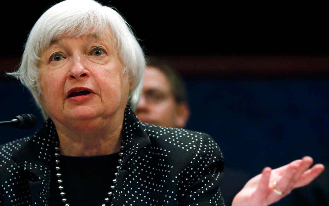 Fed sigue en camino para elevar tasas este año: Yellen