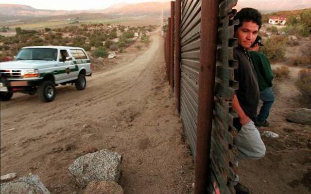 Migrantes en la frontera de México-Estados Unidos. (Foto: Reuters)