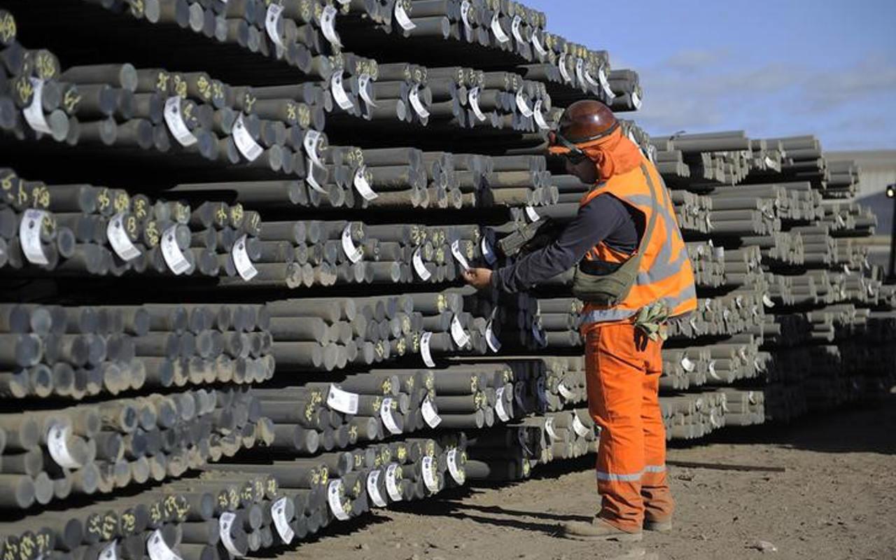 México normalizará exportaciones de hierro a China