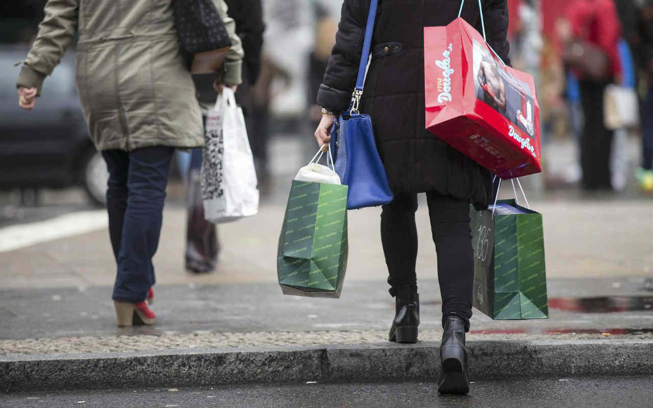 Confianza del consumidor muestra ligera recuperación en diciembre