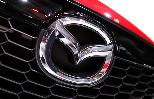 Mazda y Mitsubishi llamarán a revisión a 710,000 vehículos