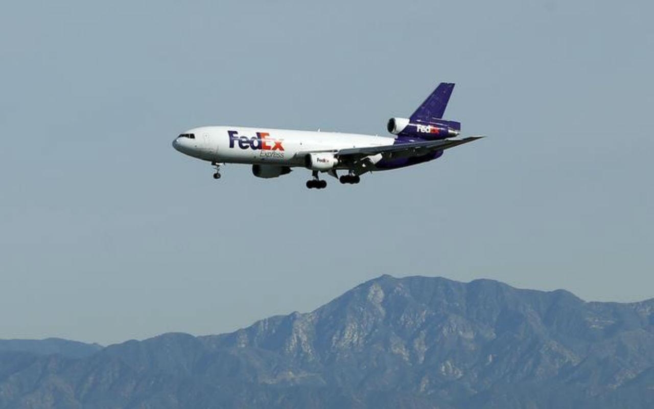 China investigará a FedEx por desviar paquetes de Huawei