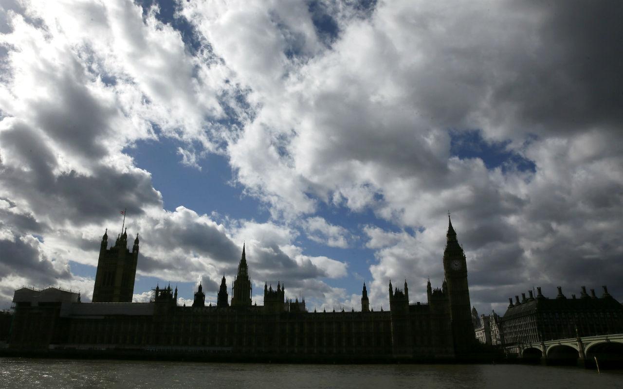 El confinamiento podría durar hasta fines de mayo en el Reino Unido