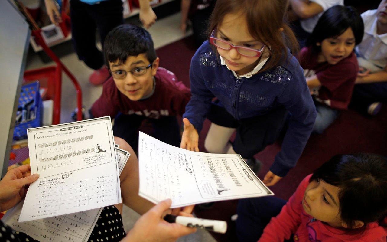 Los estados que pagarán más (y menos) a maestros de inglés