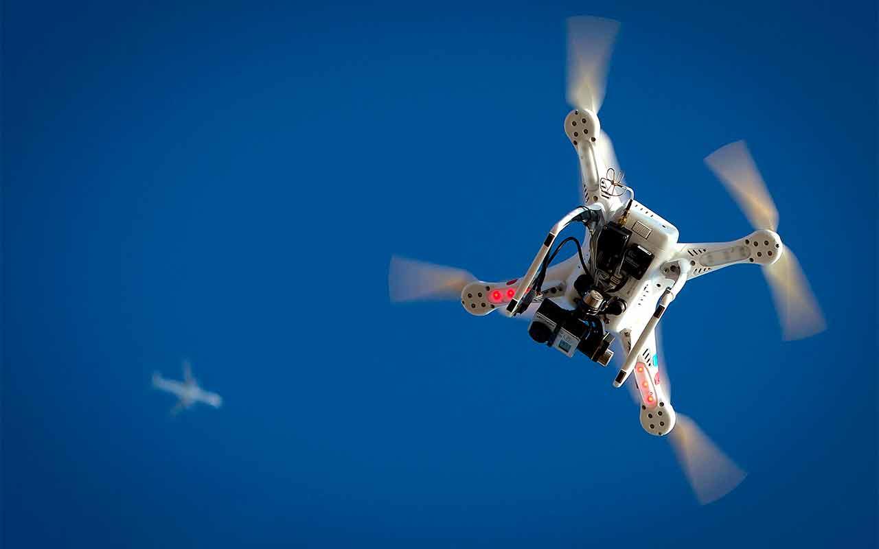 Colombia autoriza uso de drones para fumigar cultivos de hoja de coca