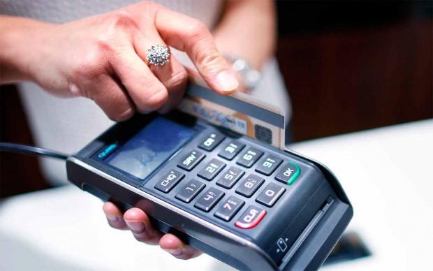 Así usamos la tarjeta de crédito según nuestra edad