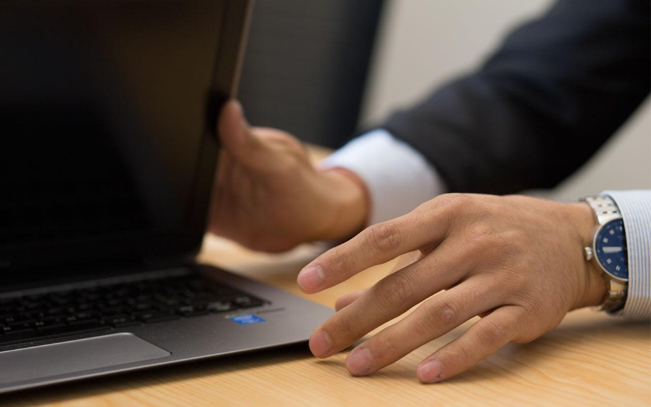 Ingresos de HP caen por baja demanda de computadoras