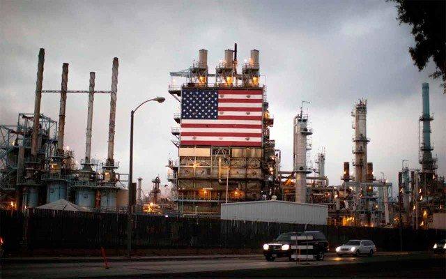 Refinería de petróleo en EU (Foto: Lucy Nicholson /Reuters)