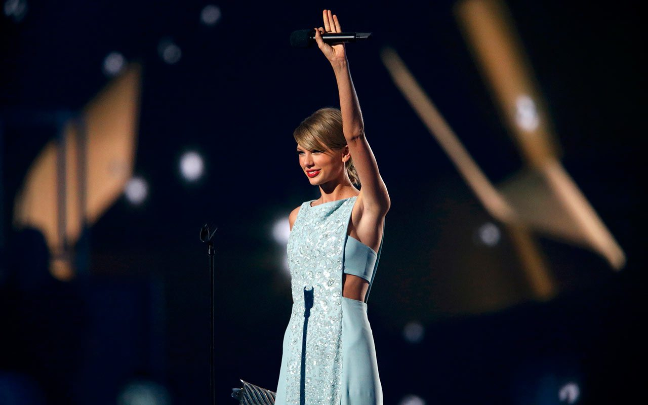 Taylor Swift es la celebridad mejor pagada: 170 mdd en un año