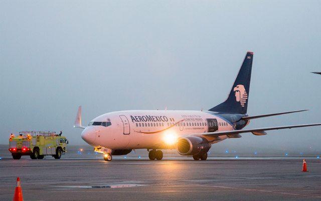 AICM opera con retrasos de hasta 7 horas en vuelos