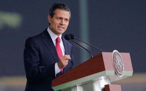 Peña Nieto anuncia seguro para combatir la informalidad