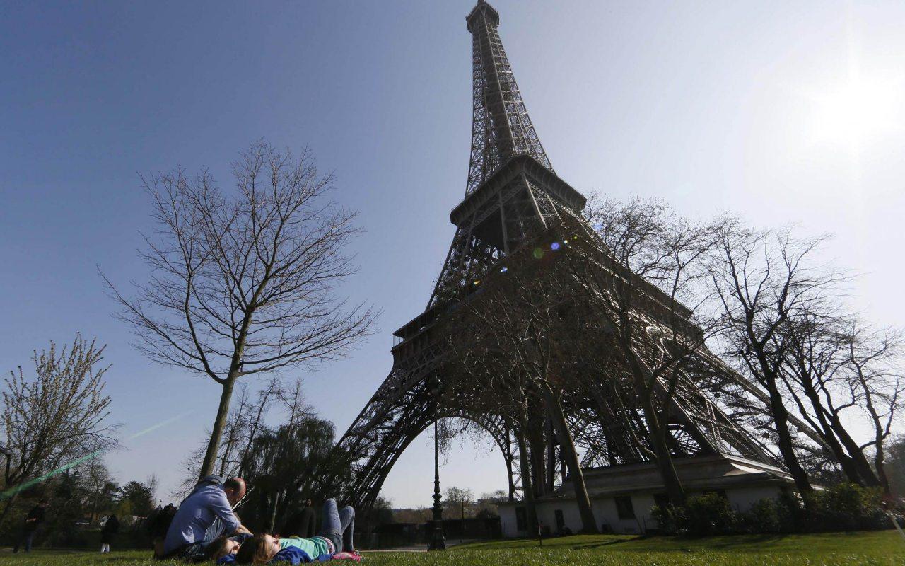Torre Eiffel apertura coronavirus covid-19