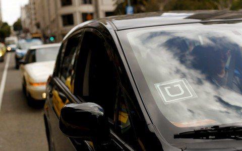 Taxistas lanzan aplicaciones para competir con Uber y Cabify