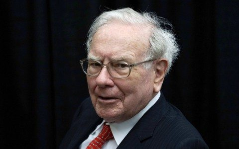 Warren Buffett cuadriplica su participación en Apple