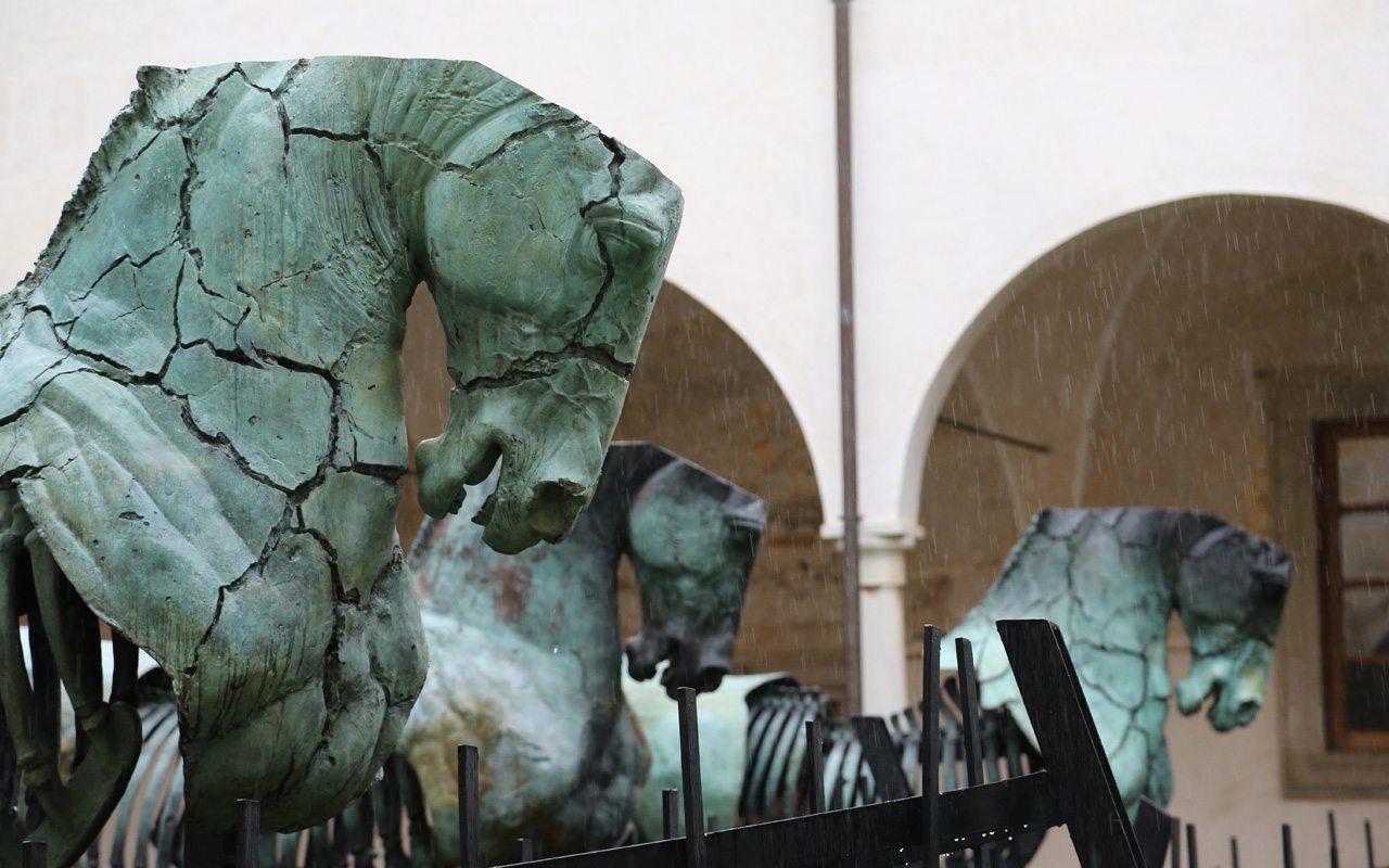 Lapidarium, la migración hecha escultura