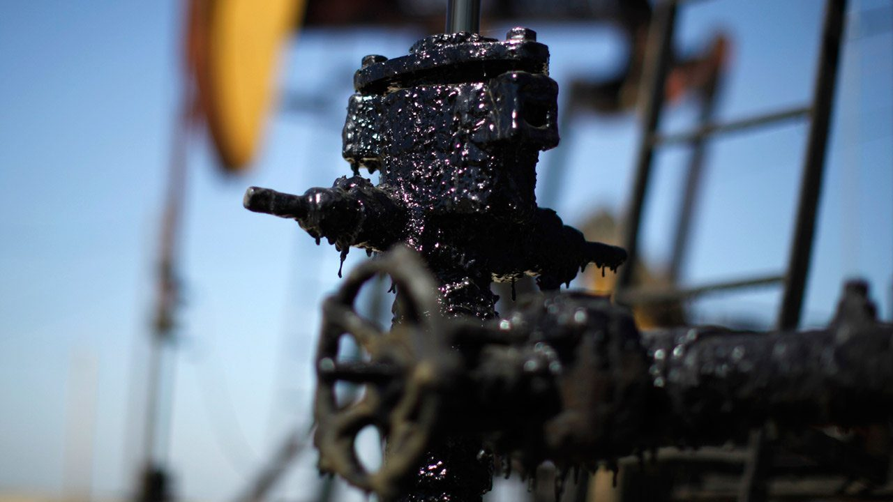 Irán culpa a Trump por posible alza en precios del petróleo