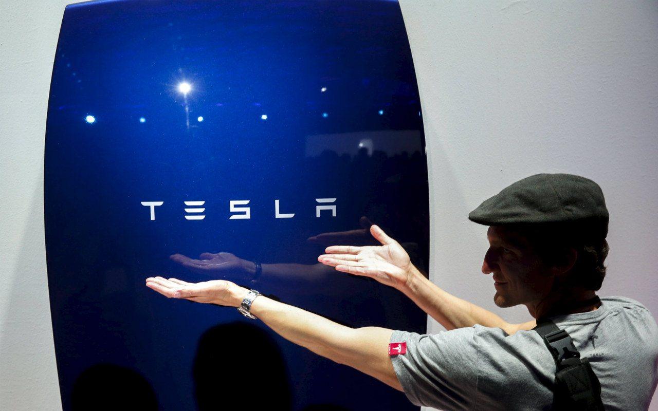 Acciones de Tesla superan los 1,000 dólares por primera vez