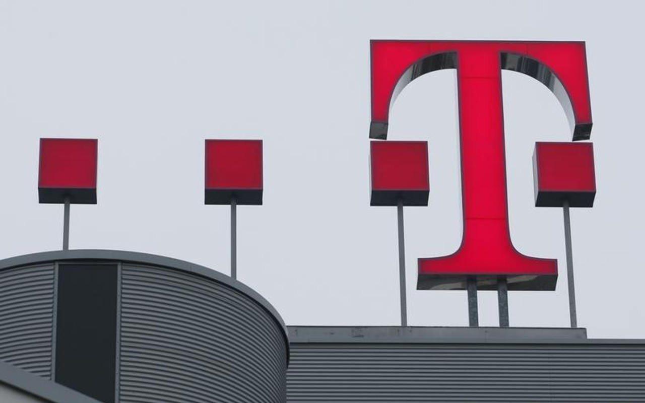 T-Mobile acuerda comprar a Sprint por 26,000 millones de dólares
