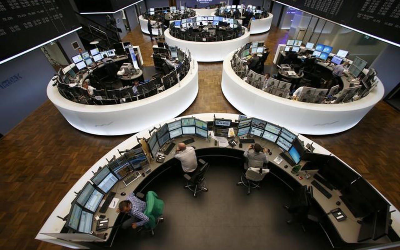 Bolsas europeas se recuperan de caída tras datos en EU