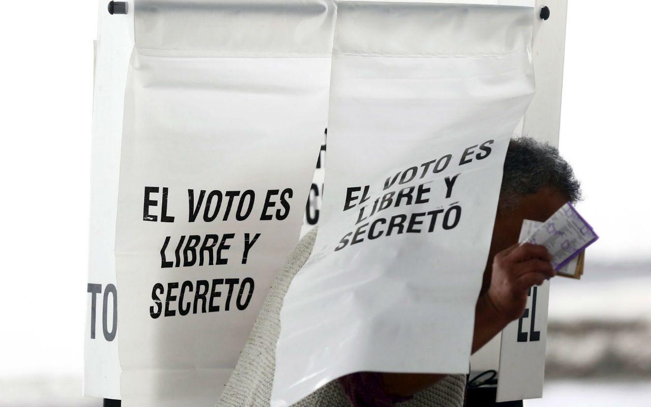 Ni candidatos independientes ni más votos mejoran la democracia