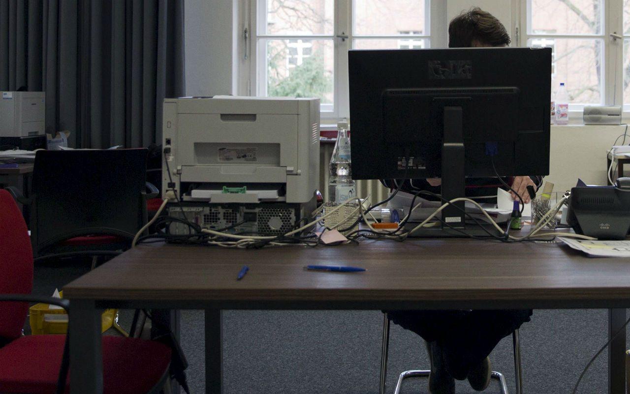 4 tips para no ser desplazado por la tecnología en la oficina