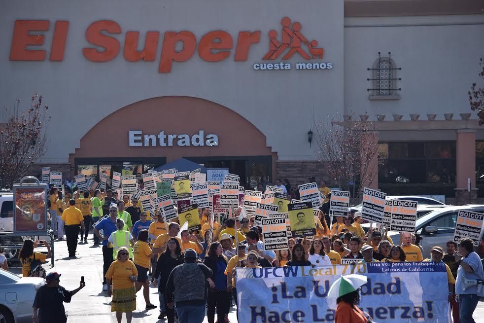 Se incrementan protestas de trabajadores contra Chedraui en EU