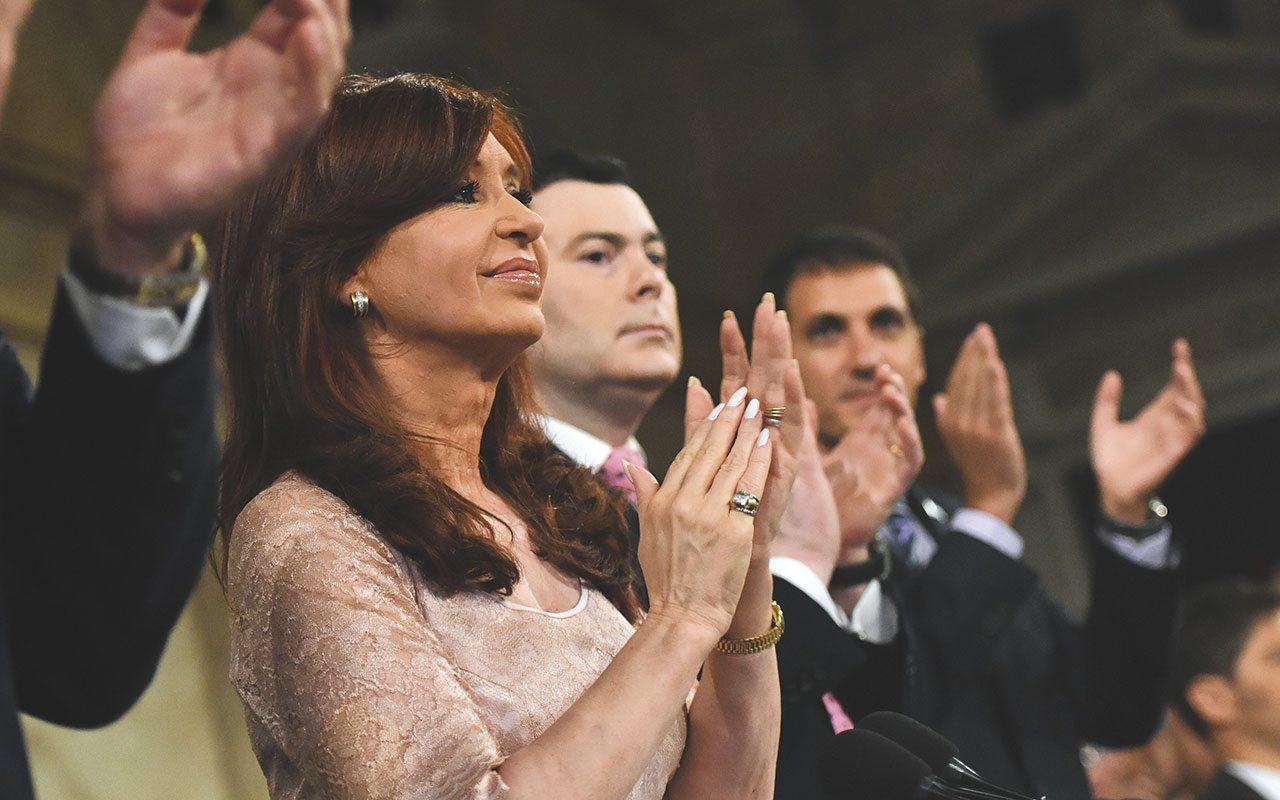 ¿Quién será el sucesor de la presidenta más popular de Argentina?