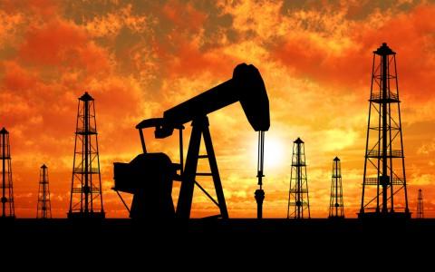 Precios del petróleo retroceden por temor a incumplimiento de la OPEP