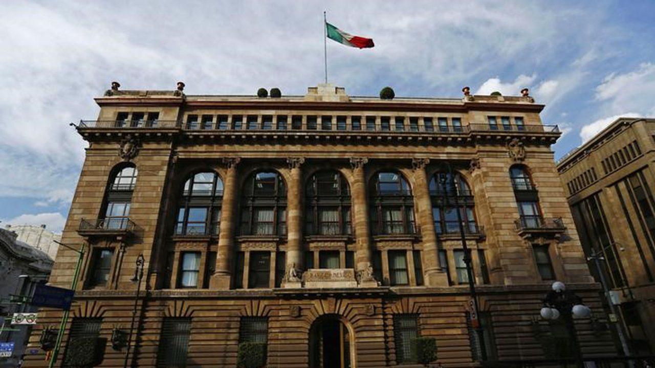 Banxico mantiene expectativa de crecimiento del PIB para 2018