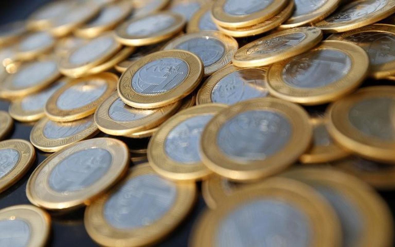 Monedas de América Latina entran a paso lento en recta final de año agitado