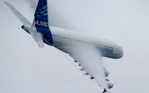 Airbus fabricará más aviones que Boeing para 2020