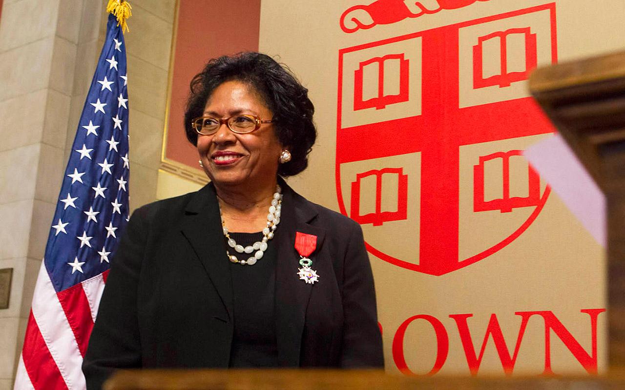 Square nombra a la segunda mujer en su consejo; alista OPI