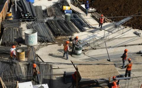 Menor gasto en infraestructura, principal riesgo para México en 2016: JPMorgan