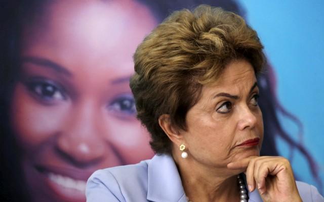 La presidenta de Brasil, Dilma Rousseff, durante una ceremonia en el Palacio Planalto en Brasilia (Reuters).