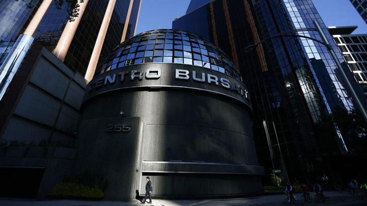 Acciones de Televisa suben tras renuncia de Azcárraga