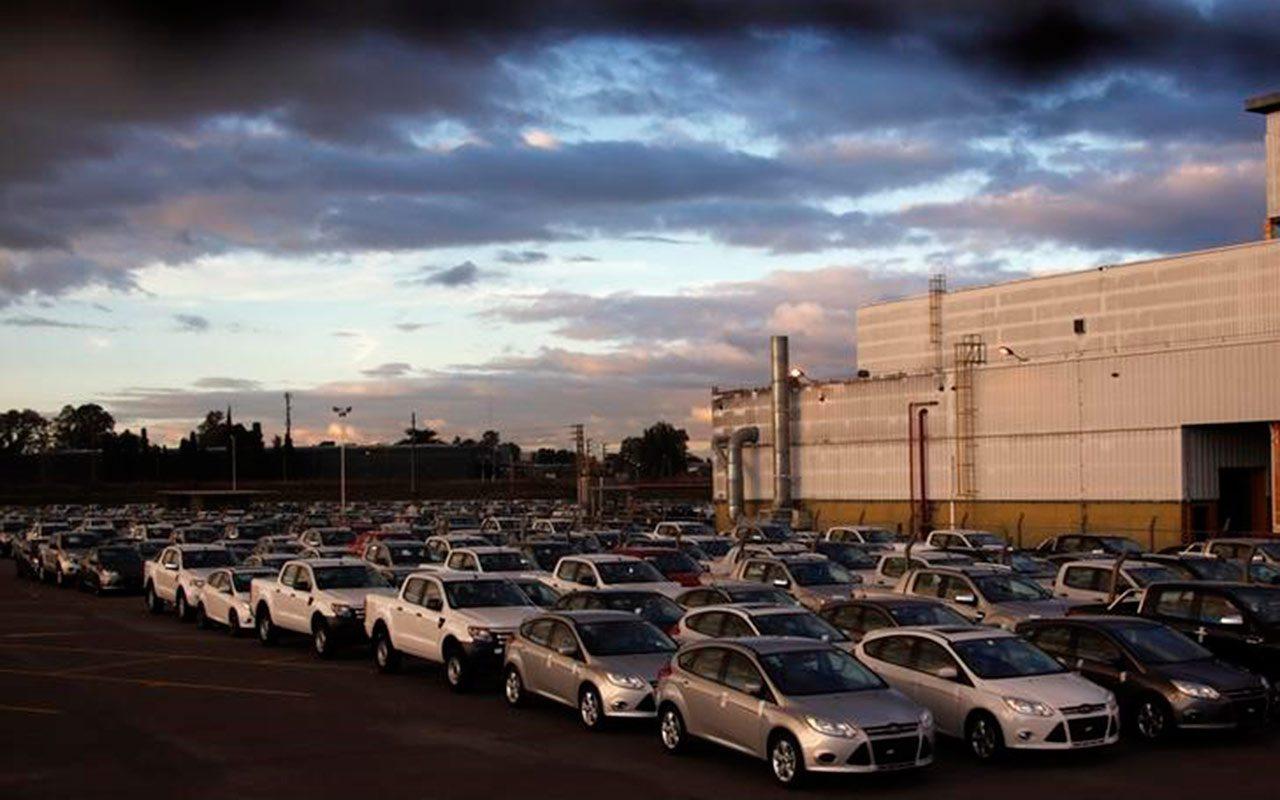 Sindicatos en EU critican plan de Ford de trasladar producción a México