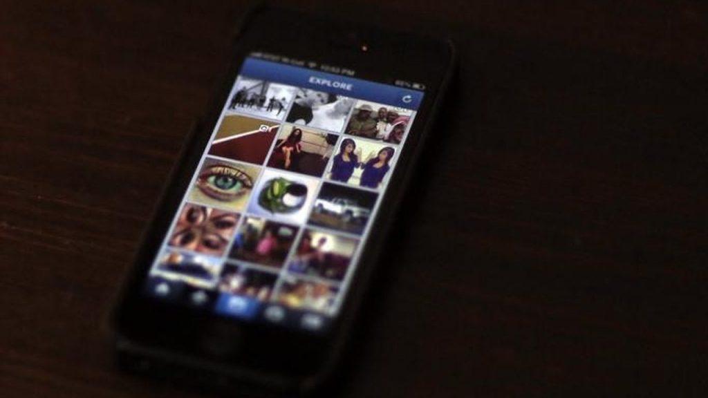 instagram-smartphone