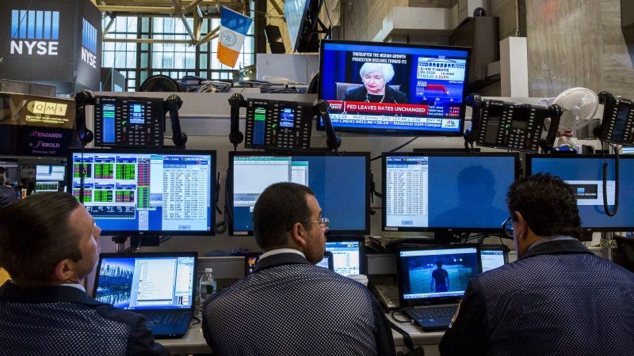 Bolsa de NY cierra estable gracias a rumor de nuevo jefe en la Fed