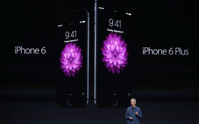 Tim Cook durante la presentación del iPhone 6 y el 6 plus. (Foto: Reuters.)