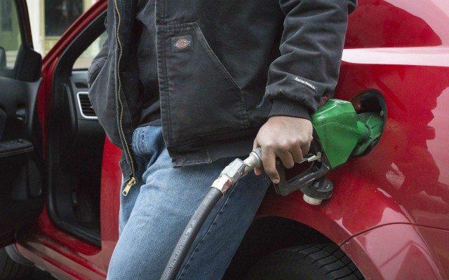 De 11,366 expendios de gasolinas y diesel, sólo 40% han obtenido el permiso de la CRE. (Foto: Reuters)