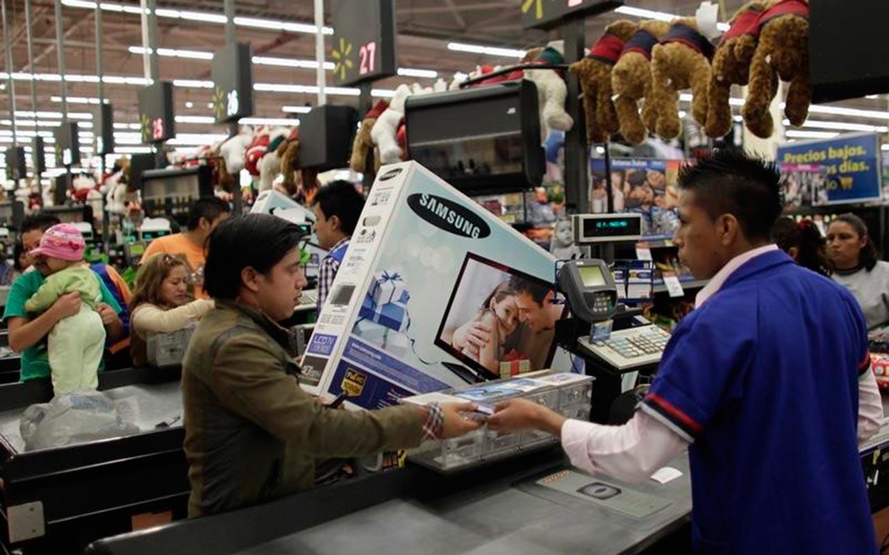 Confianza del consumidor sube 16.8% anual en agosto: Inegi