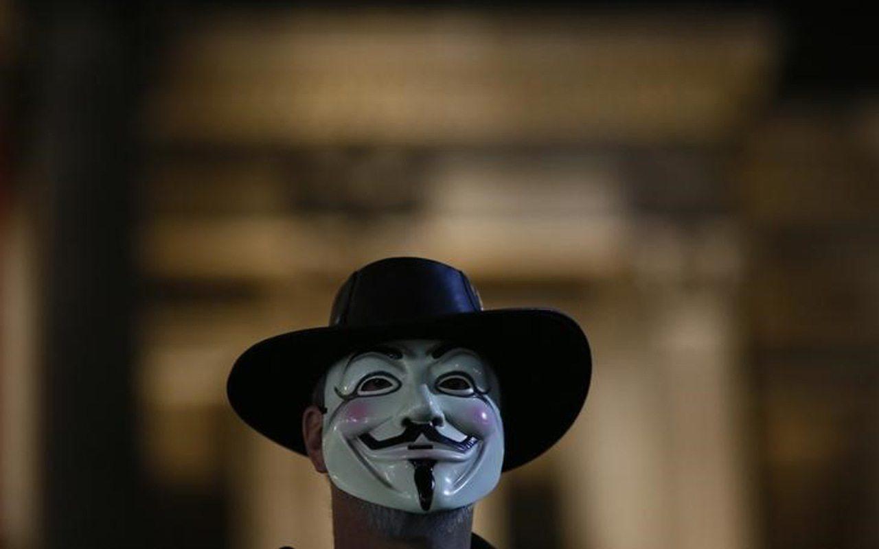 Anonymous 'revela' que muerte de Michael Jackson y otros famosos fueron para encubrir red de pederastía