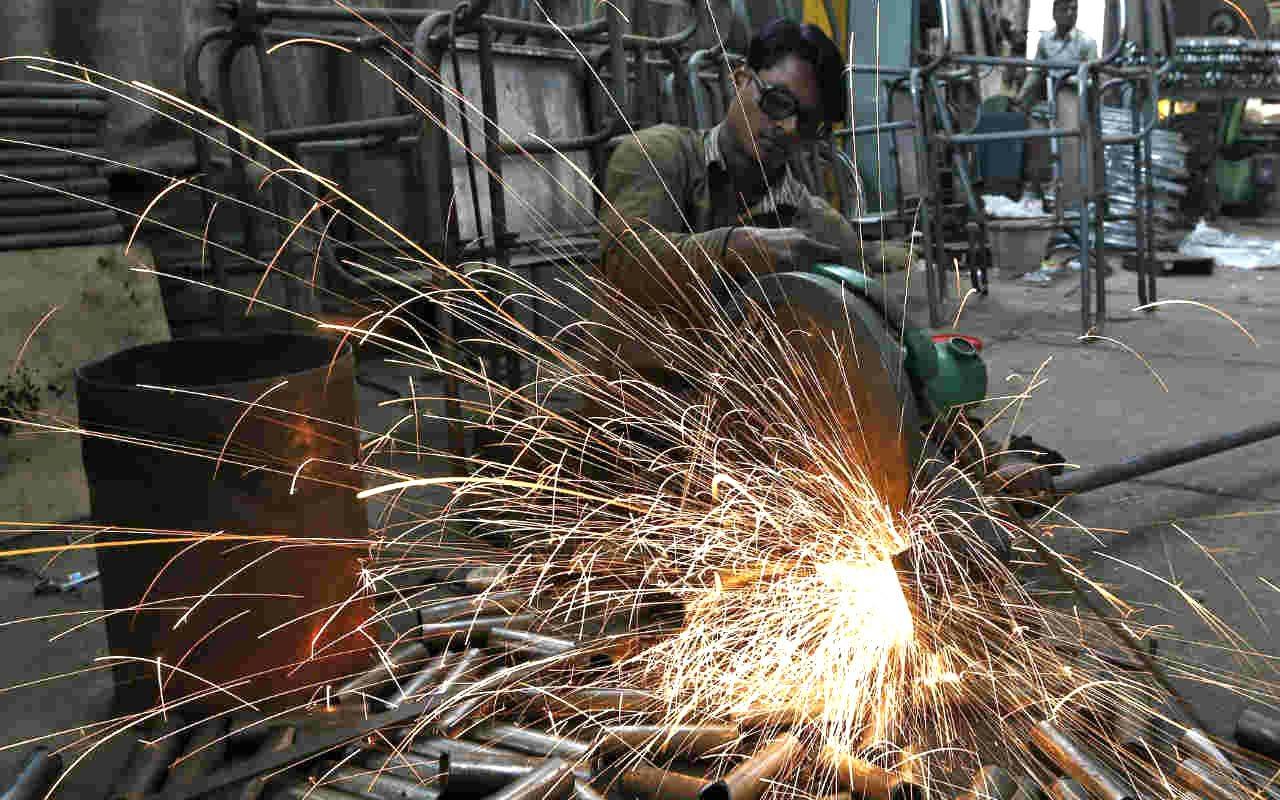 Gobierno y empresas toleran y dan impulso a empleo informal
