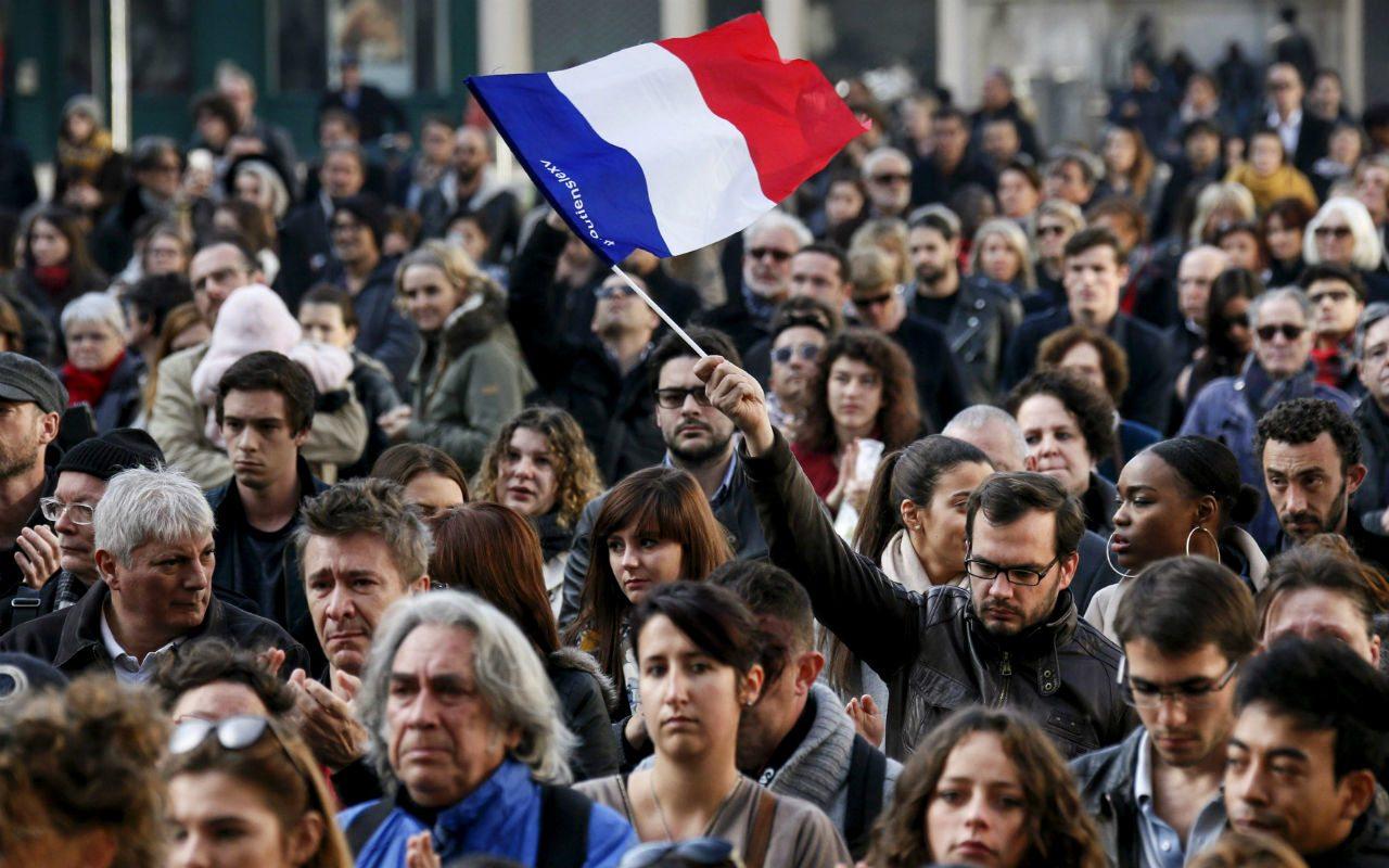 La sombra de una operación de falsa bandera se cierne sobre París