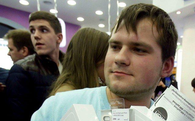 Es en la década de los veinte que los jóvenes realizan más compras desmedidas. (Foto: Reuters)