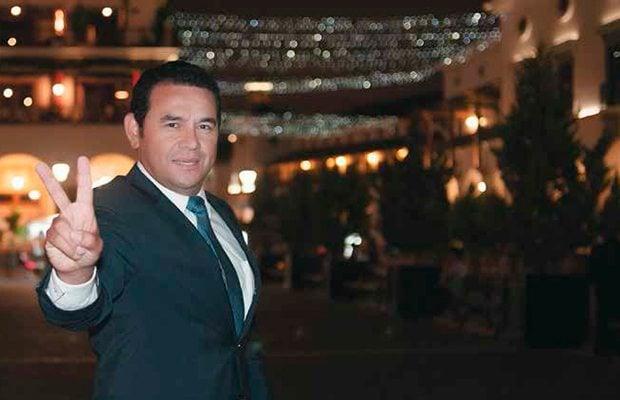 Jimmy Morales sostiene encuentro con Mike Lee para reducir migración