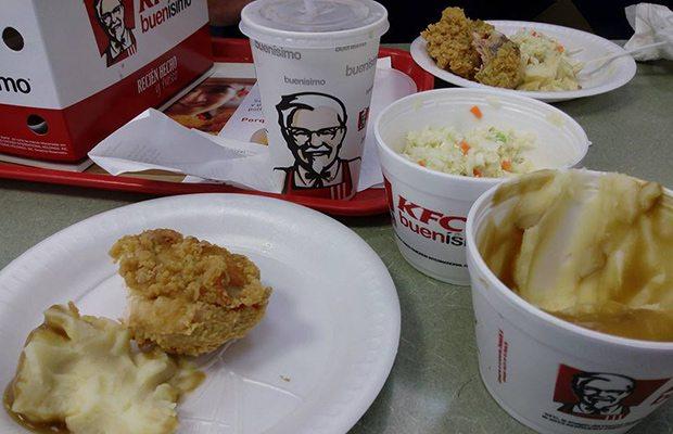 Cerraron KFC en Reino Unido ¡por falta de pollo!