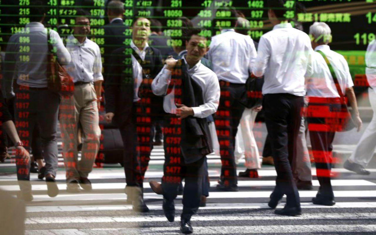 Ejecutivos de bancos piensan que algo estallará en 18 meses: FT