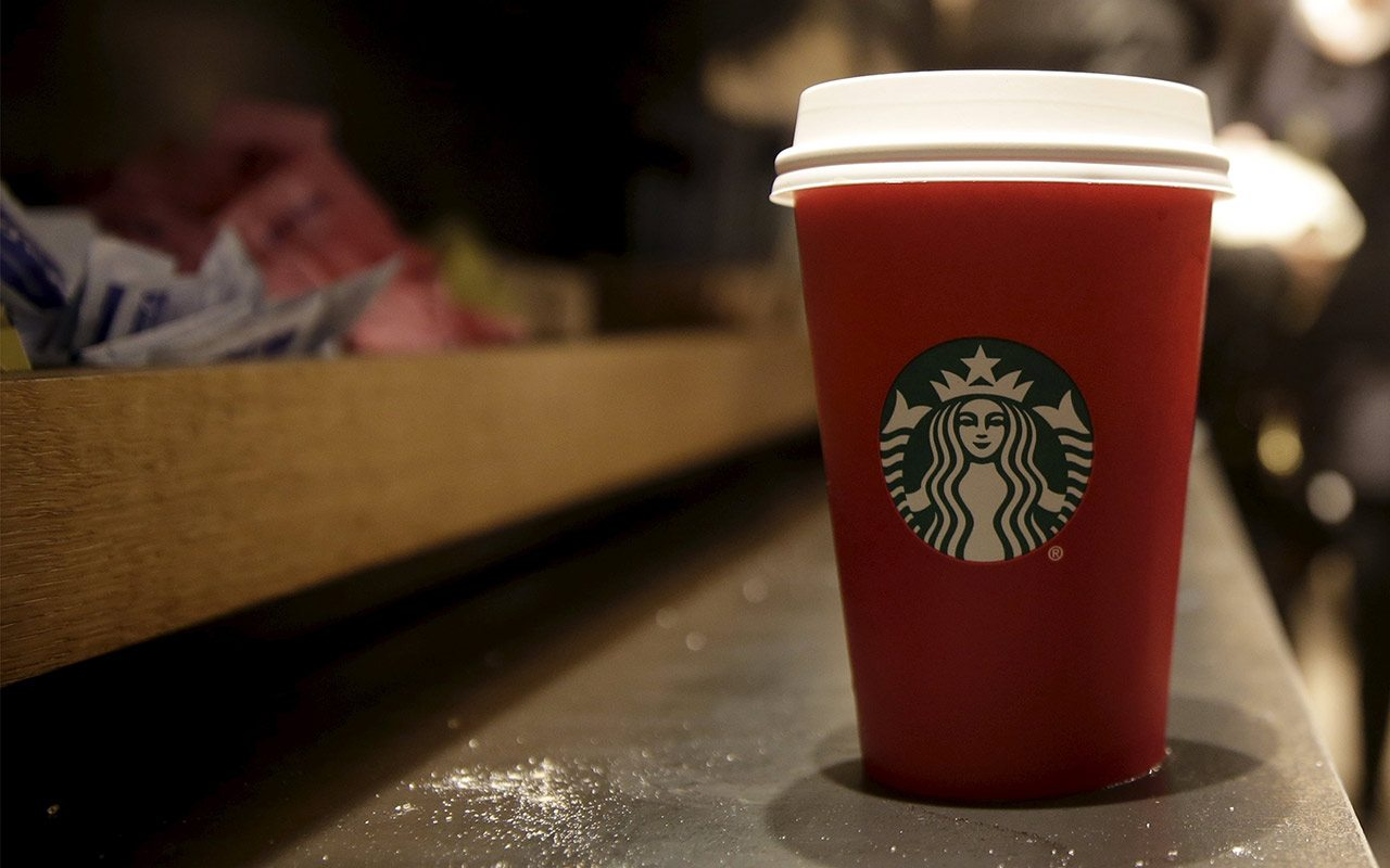 Starbucks debe poner advertencia sobre cáncer en cafés que venda en California